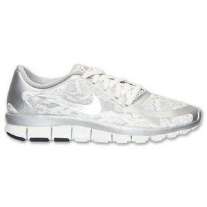 wholesale dealer b5b0c 9172b Women Nike Free 5.0 V4 Running Shoe on Poshmark